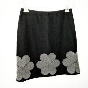 Boden A-line black skirt flower applique Size 6